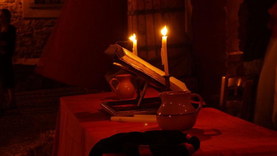 Old Book Book Candle Cena Flame Libro Medioeval Medioeval Village Medioevale Vecchi Libro Vecchio