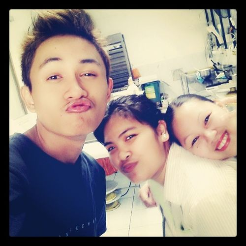 Workmates... :'D Grabe mamimiss ko tong mga 'to.... Workmates GoodEveningFolks GoodByeTomorrow ;) <3