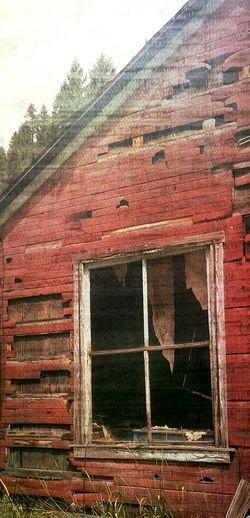 Decayed Home Beauty Of Decay PhonePhotography Onthemove Patina Doorsandwindows Abandoned Buildings Outdoor Photography Street Photography