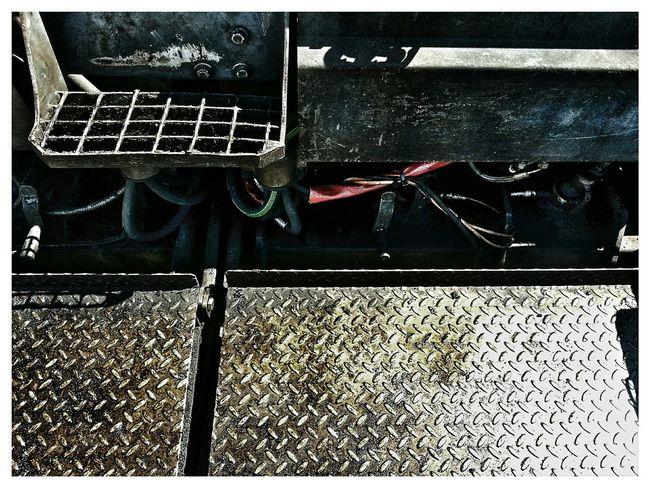 """Framed 28 - Asphalt machine"". Teknik Macchine Machines Asphaltography Asphalt Asfaltatrice Details Predellino Mobile Photography Note 2 Snapseed"