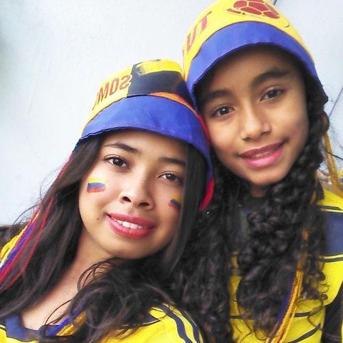 Con Valen apoyando a MiSelección Colombia ... Vamos bn, ohhh si. FuerzaTricolor YoCreoEnColombia UnidosPorUnPaís worldcup fútbol hinchainseparable hinchadecorazón VamosMiSelección vamoscolombia copamundial copamundo fifaworldcup brasilsisisi mundialbrasil2014
