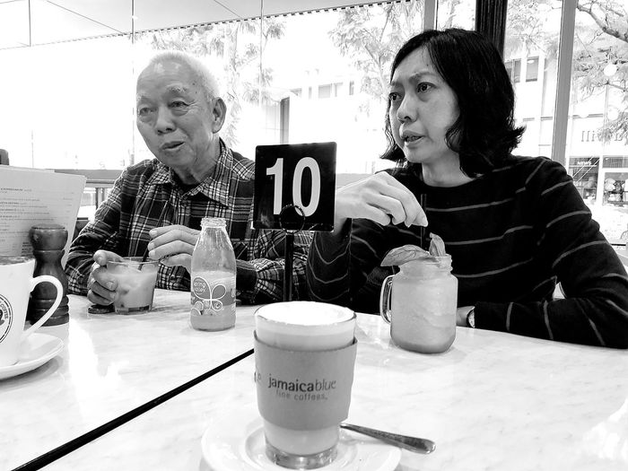 Passing time in a Cafe Fiona Stanley Hospital Perth, Australia Trip To Perth June 2017 One Day Trip To Perth2017 Bnwstreetphotography Bnwphotography Bnwperth