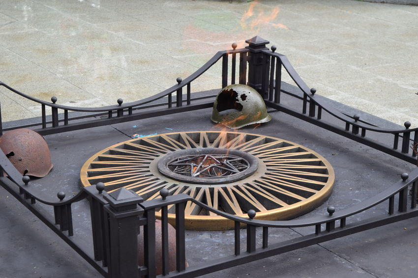 Circle Flame Historical Monuments History Memorial Monument Steps World War 2 World War 2 Memorial