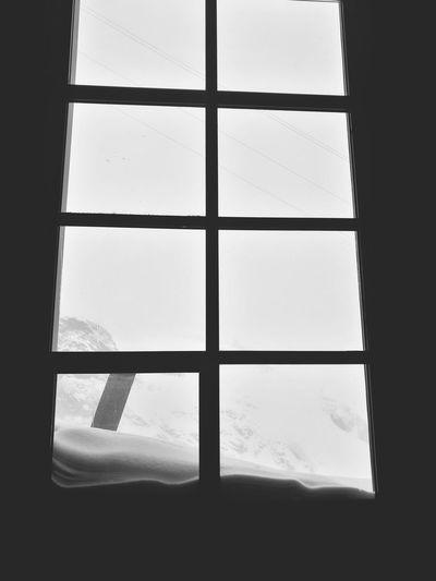 let it snow let it snow let it snow🌨🌨 Window Transparent Indoors  Sky Day No People Snow ❄ Fog Followme Winter Follow4follow EyeEm Gallery Bestoftheday Pictureoftheday EyeEm Best Shots 3XSPUnity Beauty In Nature Swiss Alps Mountain Cold Temperature Saasfee Snowboard EyeEm HuaweiP9 Fff