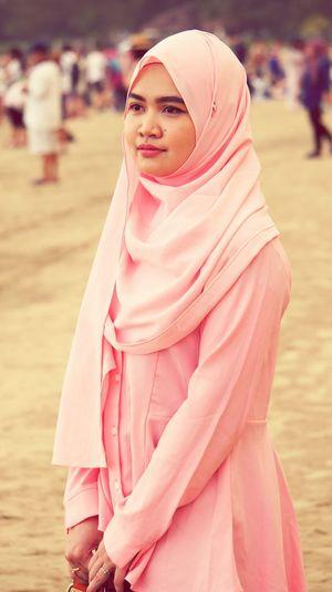 Hijab Traditional Clothing Women Around The World Muslimahfashion Portrait New Generation Photographer 55-210 F4.5-6.3 Millennial Pink
