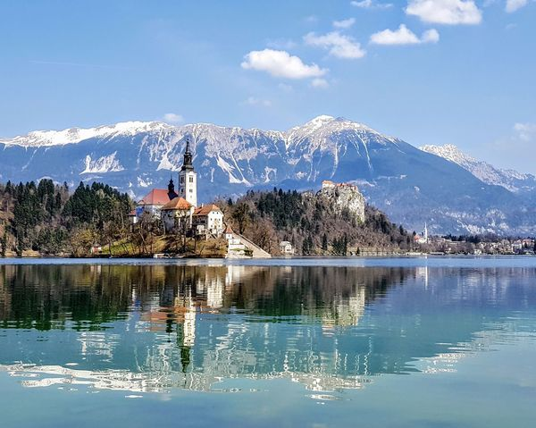 😍😍😍sLoveniAs traDe marK sure is uniquE😍😍😍Bled, Slovenia Bled Lake Slovenia Bled Lake Bled Island BledCastle Slovenia Reflection Cloud - Sky Water Outdoor Photography Mountains