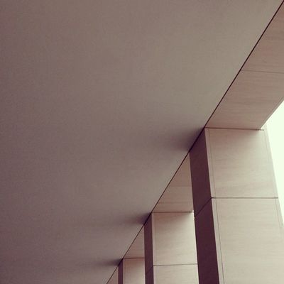 Le Hello Kitty - cornerds edition. Constructivism Saintgilles Constructivist Angleporn Abstractporn Cornerds Abstraporn Architecture Abstract Brussels Minimalism Minimalist Hellokitty Linegasm Architectureporn