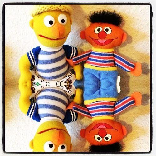 Here again.... Ernie and Bert. Stefan_home Offenbach Lomoblog IPhoneography Ernie Bert Sesamstrasse