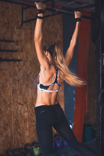 Athlete Athletic Determination Exercising Motivation Active Lifestyle  Cross Training Crossfit Energy Exercising Fitness Fitnessmodel Healthy Lifestyle Kipping Movement One Person Pull Up Real People Sport Sport Clothing Stretching Weightlifting Workout Young Woman Young Women
