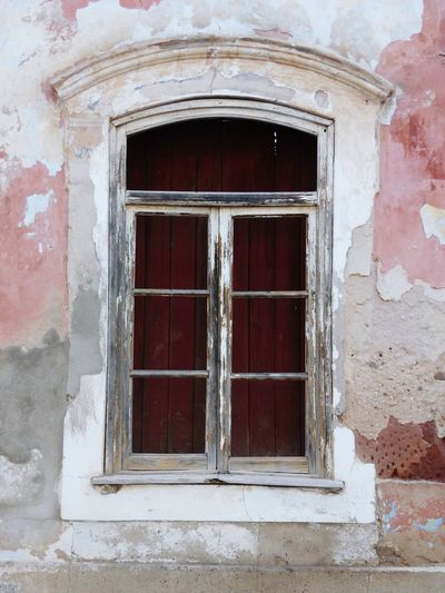 Outdoors Old Window Doorsandwindows Damaged Window Frame Window Old Glass Doors From The Past Window Window Old Building Vintage Windows And Doors Old Windows Old Ruin Travel Destinations