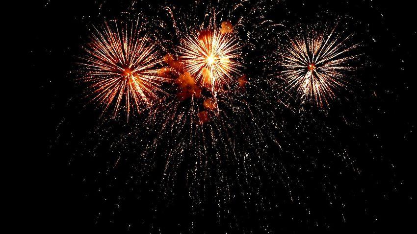 fuochi d'artificio in Umbria Fuochi D'artificio  Castiglione Del Lago Umbria, Italy Pirotechnic Illuminated Multi Colored Event Entertainment Explosive This Is Strength EyeEmNewHere
