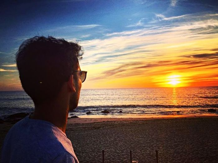 Time to Reflexion 🔛 Reflexions Infinity Portugal_em_fotos Portugal Sunset Sea One Person Beach One Man Only Headshot Sky Horizon Over Water Nature Sunlight Sun Beauty In Nature