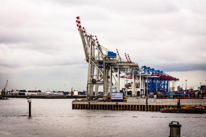 Crane Cranes Dock Docs Elbe Elbe River Hamburg Hamburg Hafencity Hamburg Harbour Ship Art Is Everywhere