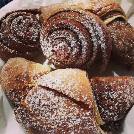 Croissant Bicolore fatti da mia sorella Simona! Che ne pensate? Giallozafferano Langolodelleprelibatezze Cucina Ricette cibo dolci