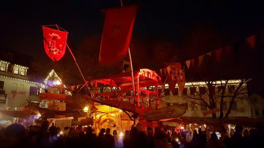 Mittelaltermarkt Weihnachtsmarkt Esslingen Am Neckar Budenzauber Lichter Glanz Advent Feuerzangenbowle Glühwein Met First Glühwein Of The Year