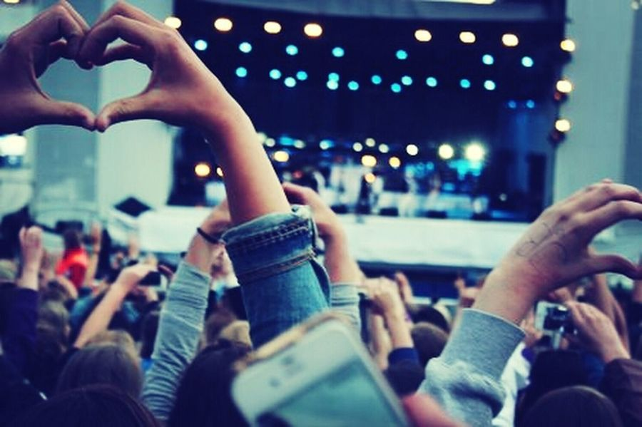 music makes my heart beat. Concert Music Heartbeat Moments