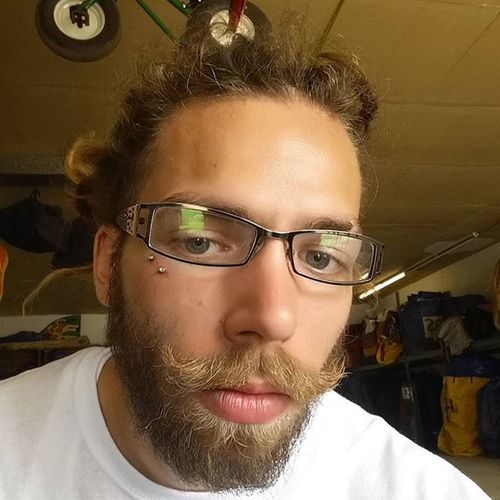 Work stressing me out... Dreads Dreadhead Dreadlocks Beard Dreadgang Beardgang Modded Peircings Dermal Dermals Mustache Idontgettired Work Selfie RainyDay Holiday Ugh ...