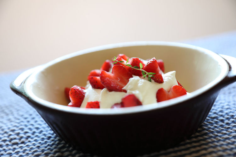Strawberry Food Food And Drink Bowl Freshness Wellbeing Healthy Eating Ready-to-eat Still Life Indoors  Vegetable Serving Size Table Selective Focus Fruit Focus On Foreground Red Salad Fruit Salad Temptation Place Mat Vegetarian Food