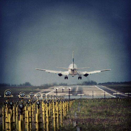Landing Plane Bud Airport Ferihegy 31r