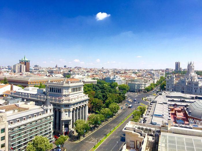 Azoteas de Madrid,Circulo de Bellas artes. Taking Photos Enjoying Life Relaxing Buenas Vistas Azoteas Madrid IPhone 6 S Plus Taking Photos Cielo Azul Corazón Edificios