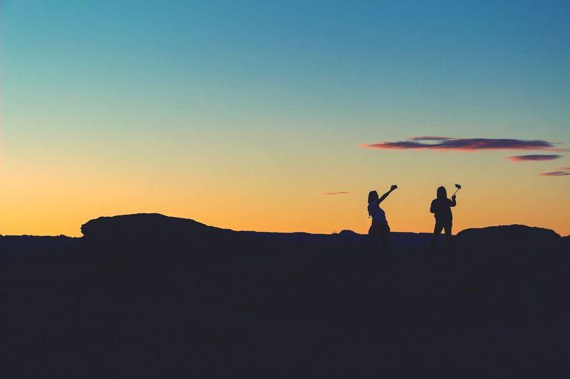 Silhouette Silhouette Two Two People Silhouettes Selfie ✌ Sunset