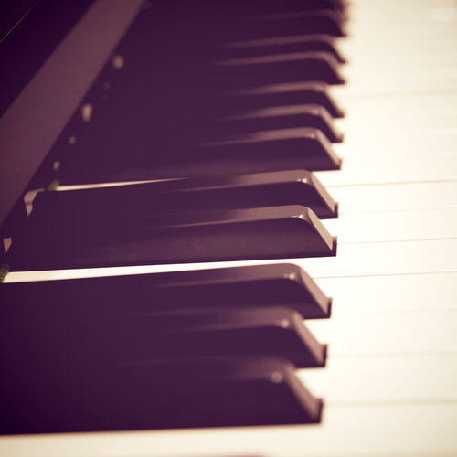 Piano Piano Key Musical Equipment Musical Instrument Music In A Row Arts Culture And Entertainment Indoors  No People Close-up Selective Focus Keyboard Repetition White Color Diminishing Perspective Black Color Pattern Keyboard Instrument High Angle View Side By Side