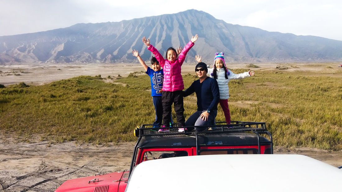 People Together Kid EyeEm Traveling Family Photography Photograph Eyeemmarket EyeEm Gallery Travel Photography Expression People Mountain INDONESIA Bromo Mountain Indonesia Bromo Mountain This Is Family