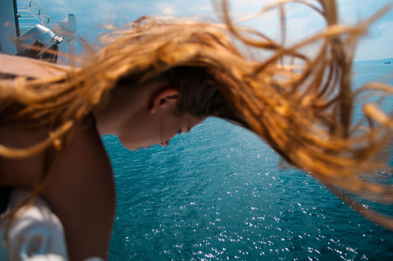 actually just a reupload in a higher quality. one lucky shot :) Blue Close-up Day Freedom Hair Layering Looking Nature Outdoors Person Red Hair Sea Selective Focus Tranquility Water People And Places My Year My View Moments Of Happiness International Women's Day 2019