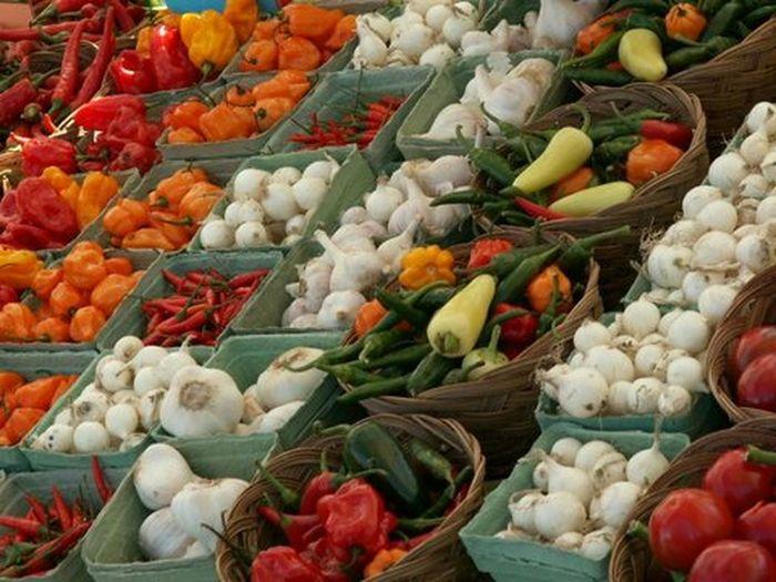 Farmers market, St. Jacobs, Ontario. August 2006. Farmers Market Fresh Produce Freshvegetables AgricultureBrightcolours Veggies Fresh Vegetables Farmstand