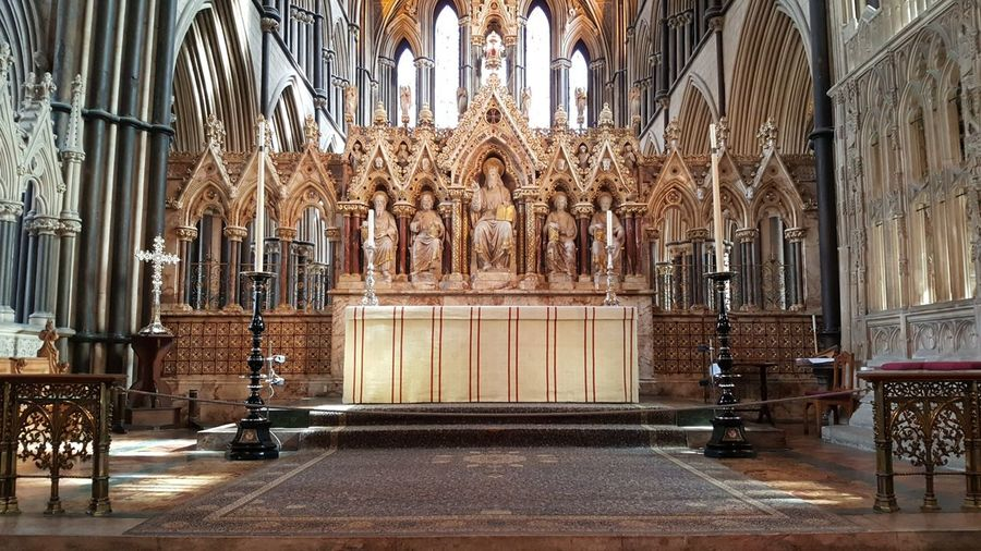 Samsungphotography Samsung Galaxy S6 Grave Worcester Cathedral Worcester Place Of Worship Altar Religion History Architecture Church Cathedral Catholicism