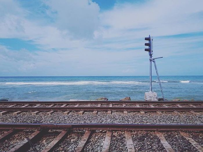 Sea Beach Indianocean Ocean Summer Trafficlight Train SriLanka Colombo