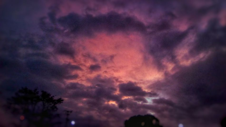 the darkness come and the Sky paints on purple, red & black. Costa Rica San Jose, Costa Rica Costa Rica 🇨🇷 Costa Rica❤ EyeEm Gallery EyeEm Best Shots Sunrise_sunsets_aroundworld Sunrise_Collection Sunset Sunset_collection Sunset And Clouds  Sunset_captures Sky And Clouds Skyporn Sky_collection Purple Multi Colored Dramatic Sky Sky Only