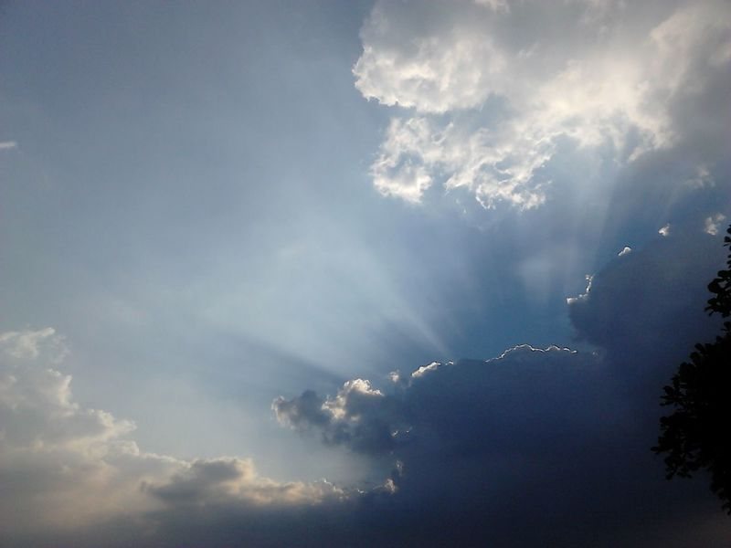 My Indonesia Rays Of Light Rays Of Sunshine Rays Of Sunlight Clouds And Sky Cloud Rays Of The Sun Ray RaysOfLight Beauty In Nature Nature The Sky The Sky From The Home The Sky Today  Sky Cloud - Sky No People Sky Outdoors Nature Day
