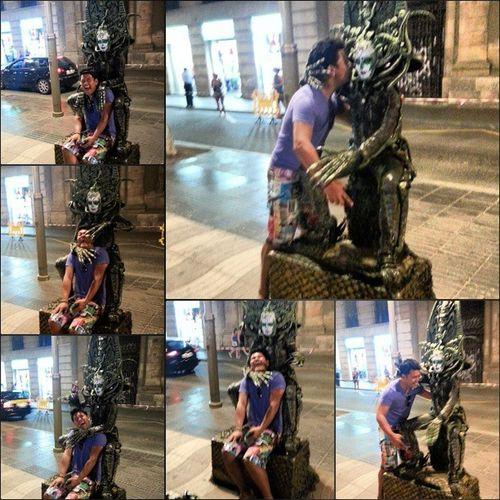 Midnight walk at Larambla Scarylady Streetart Barça españa Barcelona eurotrip statue history