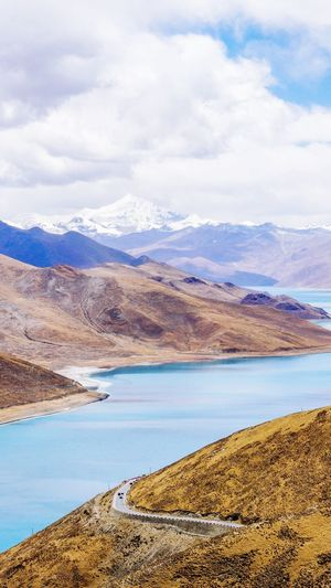 羊卓雍错 Yambdrok Tibet China Yambdrok Salt - Mineral Salt Basin Flamingo Salt Flat Landscape Mountain Range