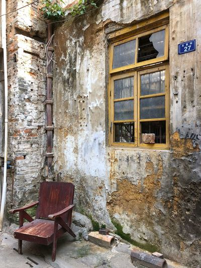 Take a seat - Original neighbourhood of years gone by. Shaoguan In Need Of Repair Stone Masonry Originalcharacter Old Neighborhoods Nostalgia House Abandoned Architecture Built Structure Damaged No People Building Exterior Outdoors