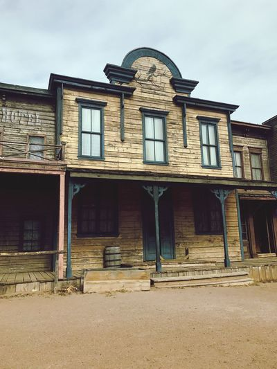 West Western Oldwest Saloon Eavesmovieranch Movielot Architecture Building Exterior Built Structure Sky Façade Window Day History No People Outdoors Abandoned First Eyeem Photo EyeEmNewHere