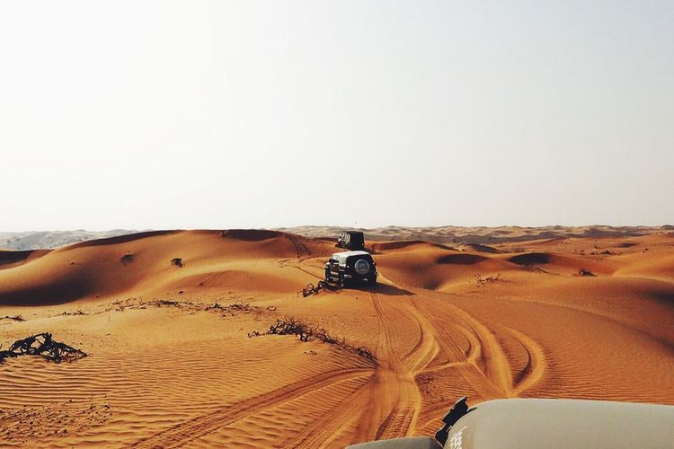 Sport Utility Vehicle On Desert During Sunny Day