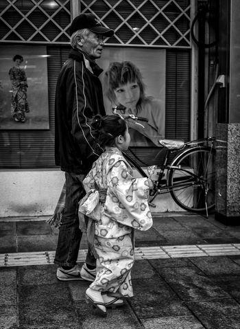 Wisdom and Youth Japan Japanese  Japan Photography ASIA Newyears Kimono Kid Cute Family Love Holding Hands Street Streetphoto_bw Streetphotography Fashion Style Traditional Blackandwhite Monochrome City Urban People Candid FUJIFILM X-T1 Cooljapan