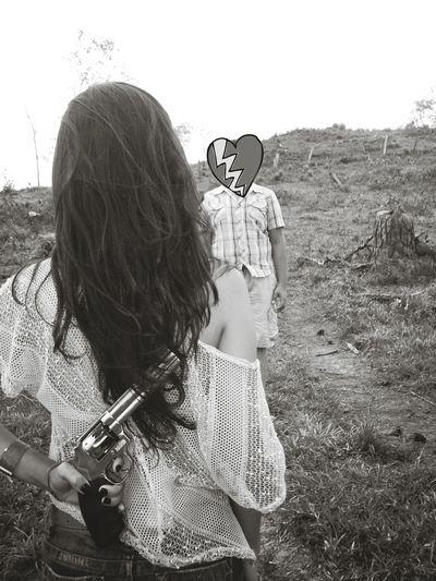 Brokenhearted Brokenhearts Eyemphotography EyeEm Gallery Black & White Gun Madness Crazygirlfriends Couple