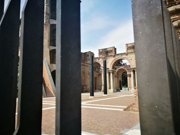 EyeEm Selects Architecture History Built Structure No People Ancient Civilization Day Outdoors Sky King - Royal Person Piemonteturismo Piemonte Rivoli Eyemphoto Eyemphotography Architettura City Travel Destinations Architecture Rivoli Turin Rivoli's Castle Castello Di Rivoli Connected By Travel