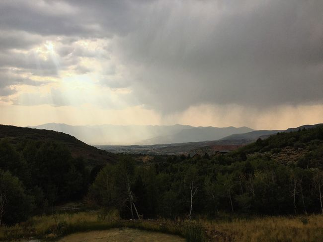 nice round of t-storms & a much needed soaking up here this afternoon. ⛰🙏🏼 Utah Wasatch County Wasatch Back Cloud - Sky Sky Environment Scenics - Nature Beauty In Nature Landscape Plant