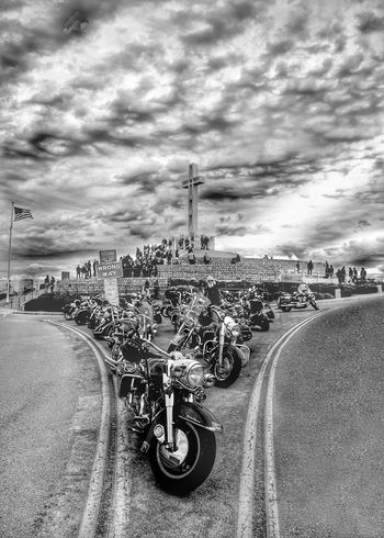 An artist asked ne do you $ee the second cross Enjoying Life Black And White Photography Blackandwhite Photography Veterans To Remember Military Mt Solàdad Motorcycles San Diego Ca