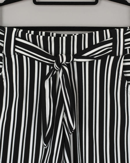 Striped Pattern No People Close-up Indoors  Backgrounds Full Frame Metal Repetition Coathanger Hanging Black Background Still Life Abstract In A Row Studio Shot Black Color White Color Day Detail