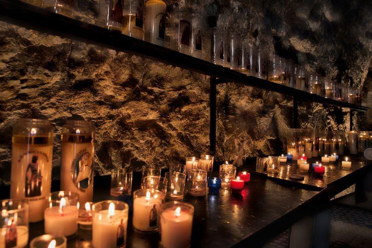 Chapel Church Pray Bougie Bougies Cadela Candlelight Clique Entreaty Kirk Minster Orison