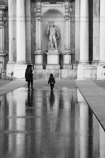 david vs golia Bnw Italy Italia Modena Accademia Streetphotography Statue Male Likeness Sculpture Human Representation Water Day Architectural Column Built Structure Architecture History Travel Destinations People EyeEmNewHere