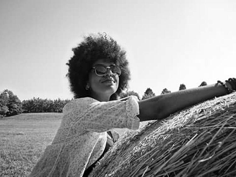 Afro Model Shoot Girls Friends Photographer Photo Art Camera Bnw Memories Relaxing Happy Sun School Paradise Following Followme Followforfollow Likeforlike EyeEm Gallery Bestphotos Me Samsung