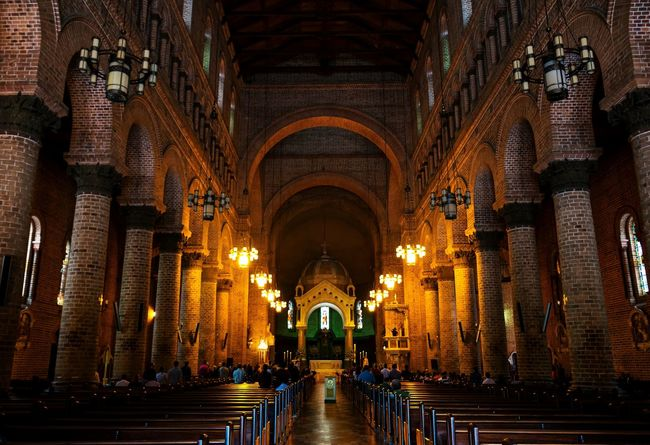 Metropolitan Catedral Architecture Church Catedral Light And Shadow Light Building Exterior Building Built Structure Yellow Nikon NIKON D5300 Chair EyeEm Best Shots EyeEmNewHere Eye4photography  Sculpture Contemporary Old Art Scenics Place Of Worship Religion Arch Architecture Built Structure Architecture And Art Interior Historic History Historic Building This Is Latin America
