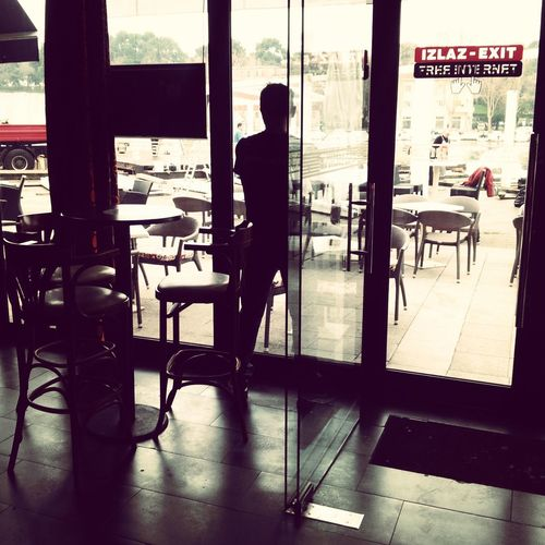 waiting for the crowd Jobs Waitresslife Invisible Man One Man Only One Person Only Men Adults Only People Silhouette Indoors  Business Stories
