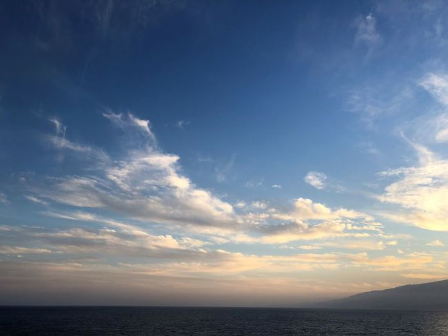 Sky Sea Water Horizon Scenics - Nature Cloud - Sky Beauty In Nature Nature Horizon Over Water Tranquility Tranquil Scene Idyllic No People Outdoors Remote Blue Environment Sunset Freedom Sonnenuntergang Himmel Und Wolken Wolkenbilder Wolkenkunst Himmel Und Meer Meer
